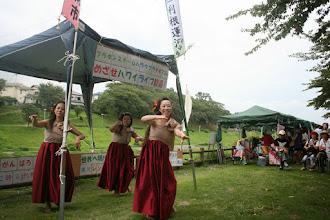Photo: うんがいい!ライブ 東深井福祉会館で練習をするハラウフラナポマコレさん