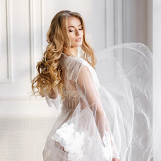 Wedding photographer Kristina Leonova (krisleo). Photo of 10.01.2018