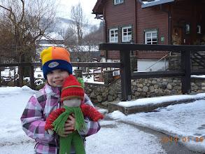 Photo: Reka mit dem kleinen Schlittenfahrer