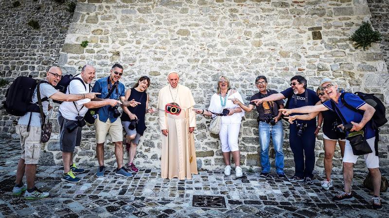 Al Papa non piace l'era digitale!  di Matteo Faliero