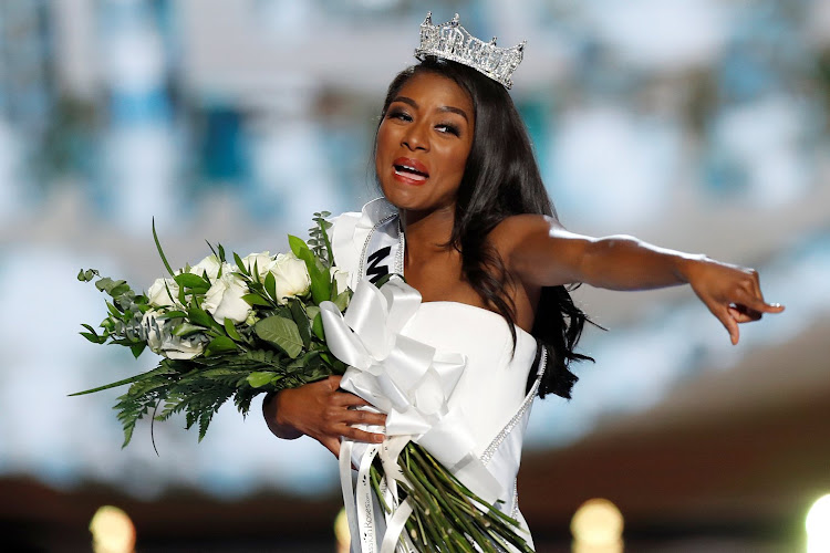 Miss New York Nia Imani Franklin points out her mom after she won Miss America 2019.