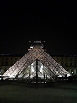 Piramidi di vetro di yari25