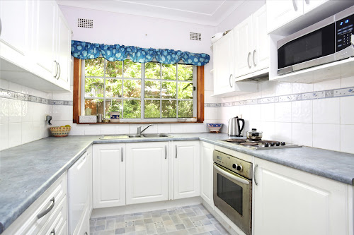 Photo of property at 10 Egan Place, Beacon Hill 2100