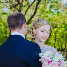 Wedding photographer Vika Burimova (solntsevnutri). Photo of 14.10.2014