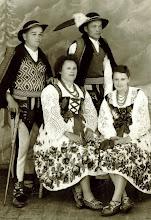 Photo: Tylka Bronisław Świder,Maria Tylka Świder,Jan Tylka Świder,Krystyna Latocha -lata 40-te.