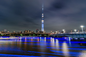 Photo: Fake hotaru (fireflies) float by in the Sumida River at the 2013 Tokyo Hotaru Festival