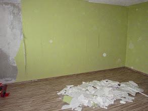 Photo: Dolů šly i staré stropnice v obývacím pokoji
