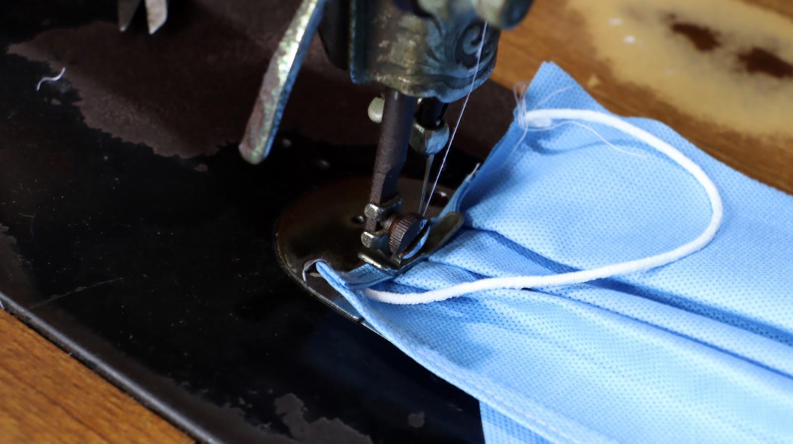 Sản xuất khẩu trang vải