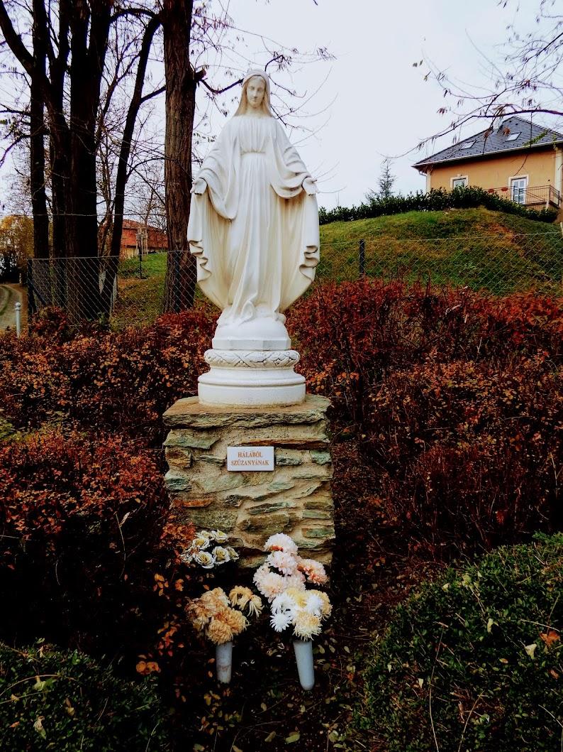 Dozmat - Mária-szobor