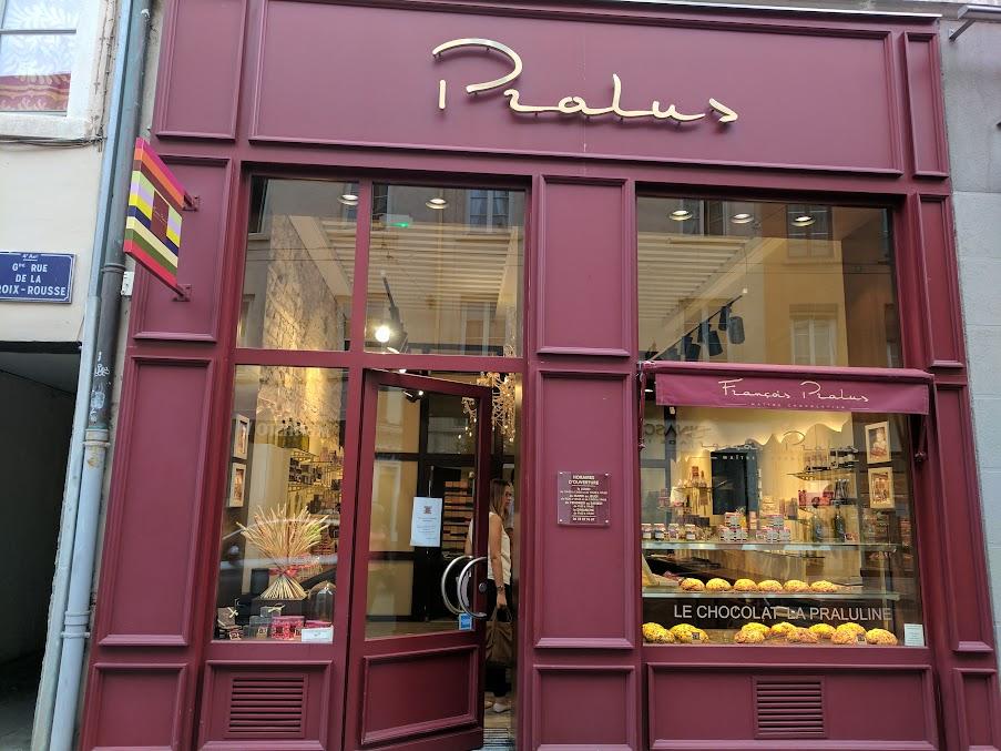 pralus lion store