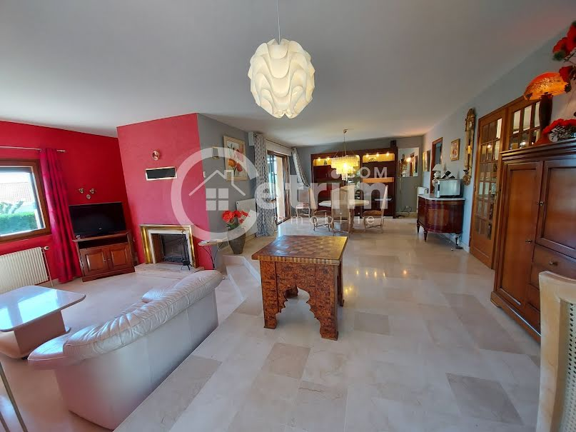 Vente maison 7 pièces 220 m² à Pont-du-Château (63430), 425 000 €