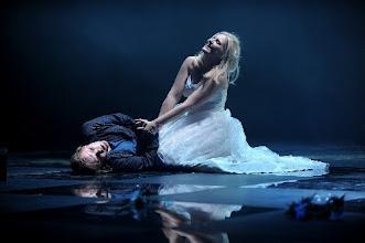 "Photo: Szenenfoto aus ""Roméo et Juliette""   mit Jens Klaus Wilde (Roméo) und Anna Sommerfeld (Juliette)  (Foto: Maries Kross)"