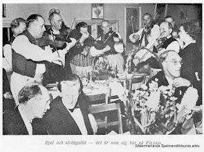 Photo: Fest på Flenmo 1946(?). Bild ur skriften Mellösa på Barnens dag 1950.