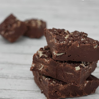 4 Ingredient Homemade Dark Chocolate Mint Fudge