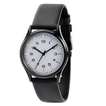 簡約幼條釘+數字手錶