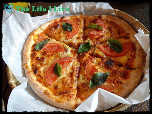手在披蕯 Hand on the pizza~傳統+創新,還可以自製披蕯,打造獨一無二的披蕯!