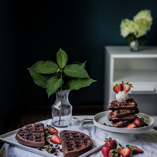 Brownie waffles with mascarpone (2 Belgian waffles - 8 pieces)