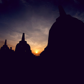 Sunrise at Borobudur by Makboel Zila Saputro - Buildings & Architecture Public & Historical