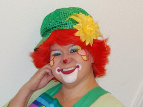 Photo: Payasita Bella the Clown is so bubbly and adorable she never scares children, she only makes them laugh! Call to book Bella today: 888-750-7024