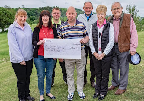 Golfers chip in £3,800