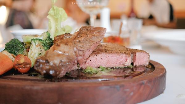 台中西屯牛排 菲菲花園|聚餐約會的好地方!近文心路的義式餐廳推薦  美國肋眼牛排16oz來啦!