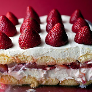 Creamy Strawberry Moscato Torte