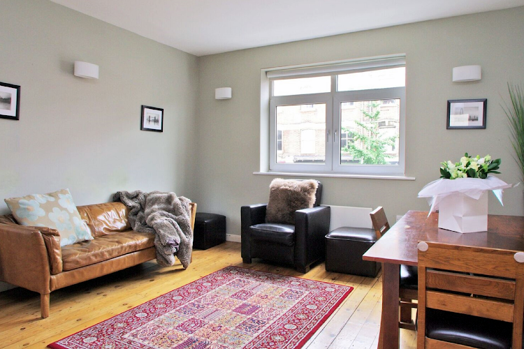 Comfy living area at Comfortable Waterloo Home SE1