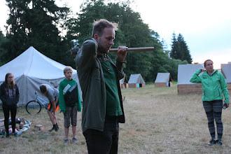 Photo: Vztyčování stožáru