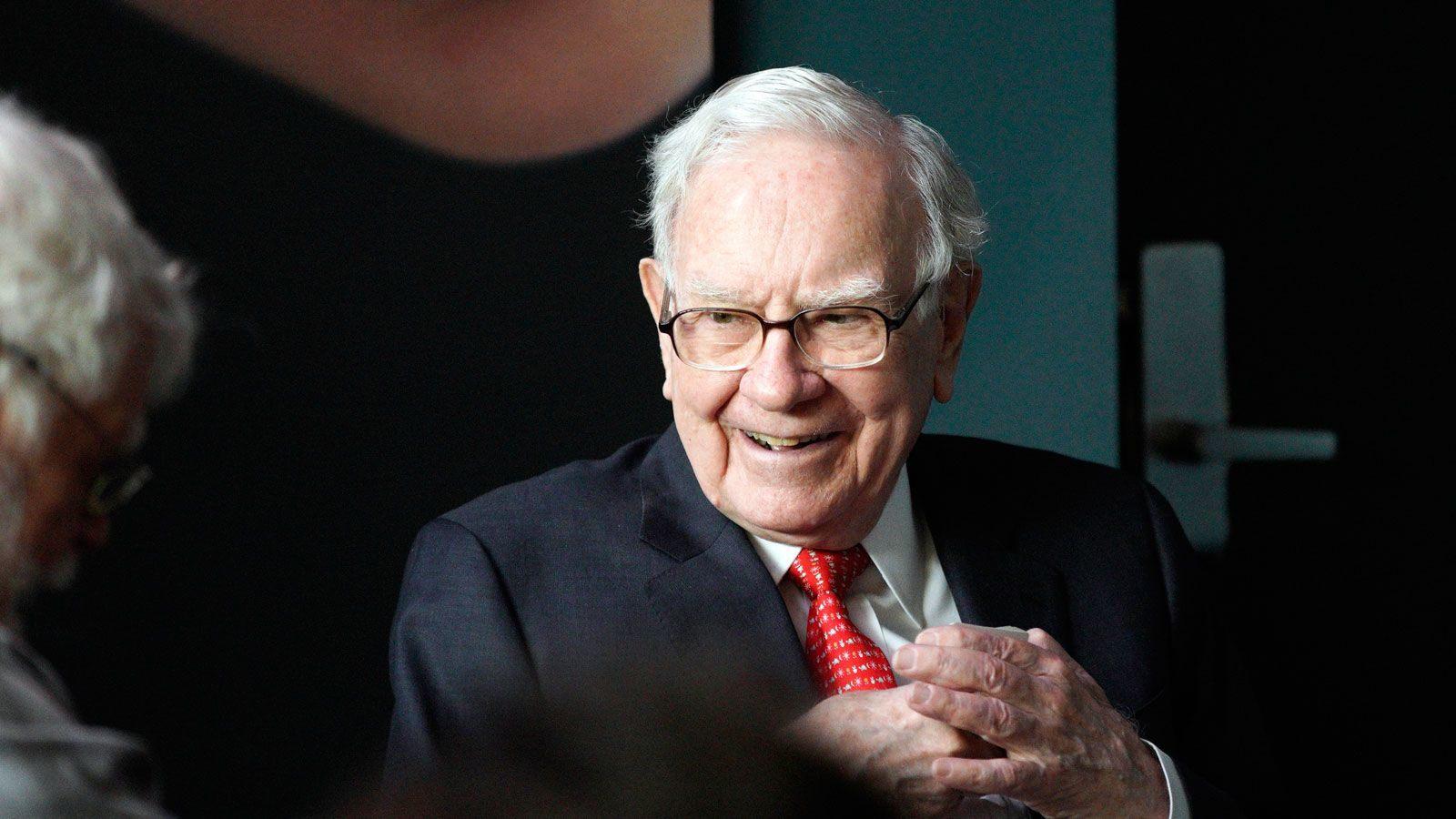 Học cách đầu tư của nhà đầu tư huyền thoại Warren Buffett