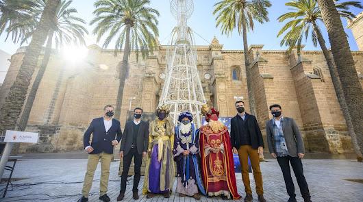 Los Reyes Magos llegan hasta Almería en su 'viaje mágico'