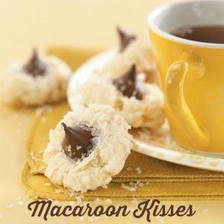 Macaroon Kisses