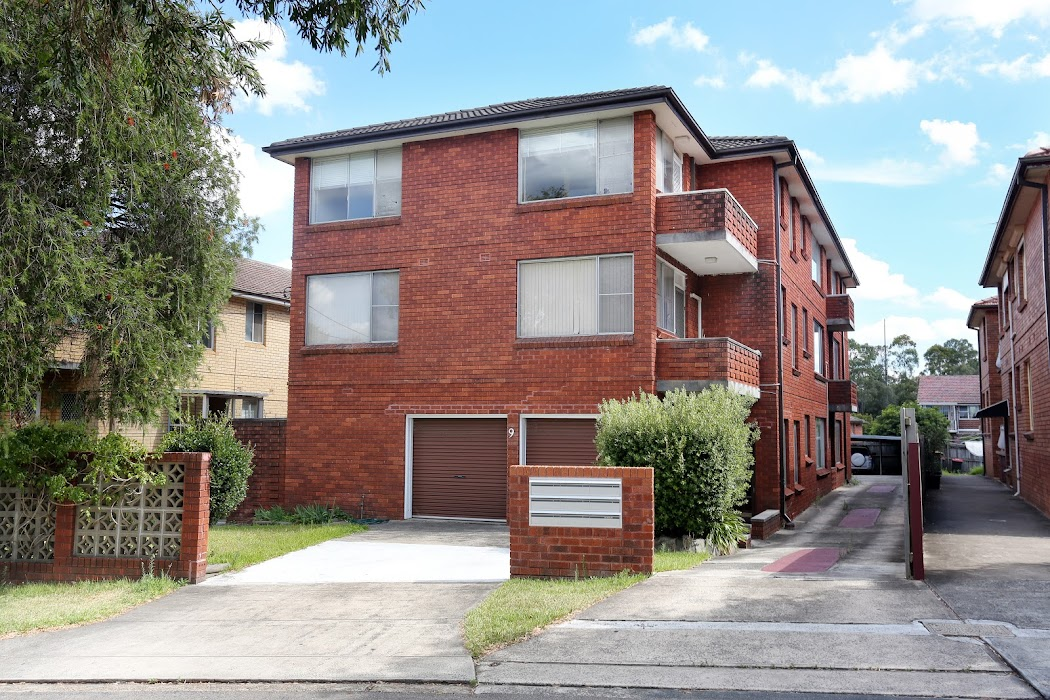 Main photo of property at 6/9 Parry Avenue, Narwee 2209