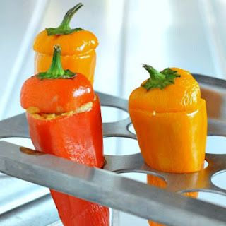Sweet Pepper Poppers with Guacamole Crunch