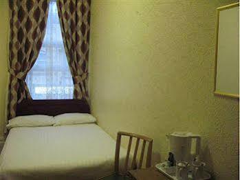 Wavecrest Hotel