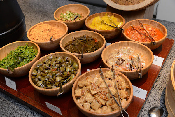 衛斯理自助餐 太魯閣唯一五星級的晶英酒店在吃些什麼?