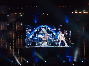 Photo: SHINee performing Super Junior's 'Sorry Sorry'