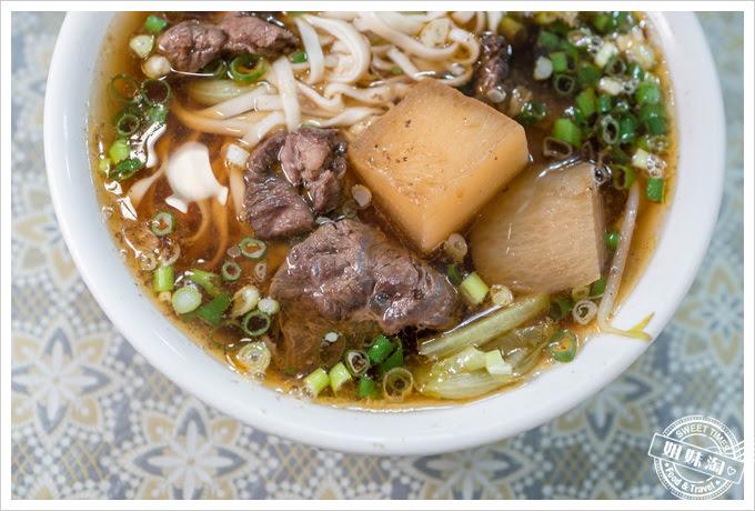 夏龍灣美食牛肉麵