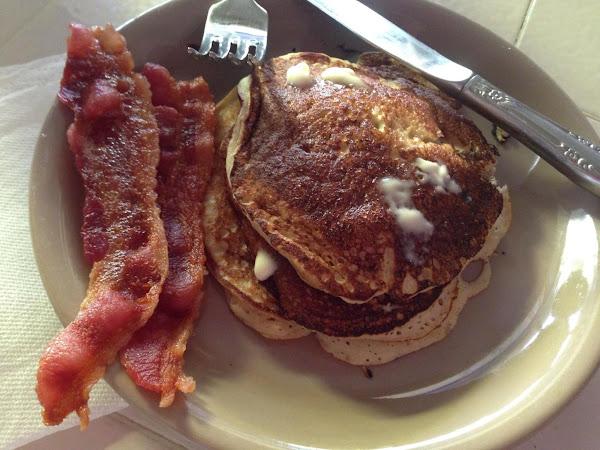 3-ingredient Banana Pancakes Recipe