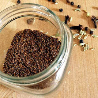 Making Your Own Chinese Five-Spice Powder
