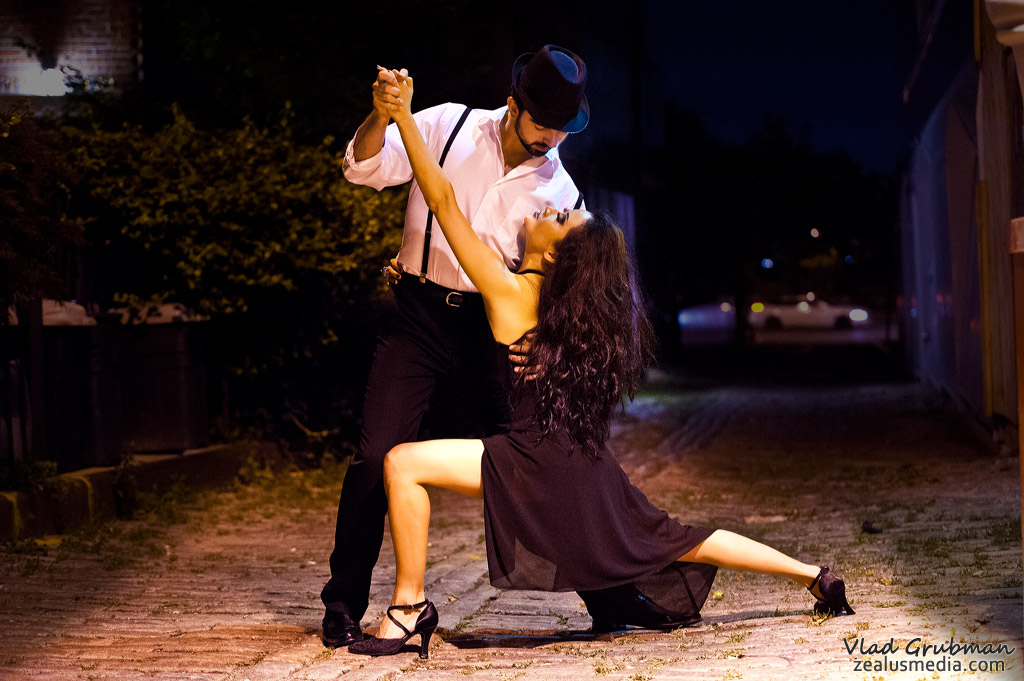 Tango at midnight - photography by Vlad Grubman / ZealusMedia.com