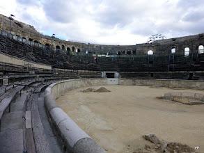 Photo: Les arènes de Nîmes sont un amphithéâtre romain construit vers la fin du Ier siècle