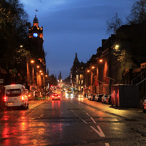 Night falls by Srivenkata Subramanian - City,  Street & Park  Street Scenes ( england, rainy day, street, edinnburgh, night time, scotland )