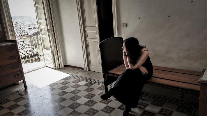 pensieri di donna_ tra luce e oscurità di Salvador