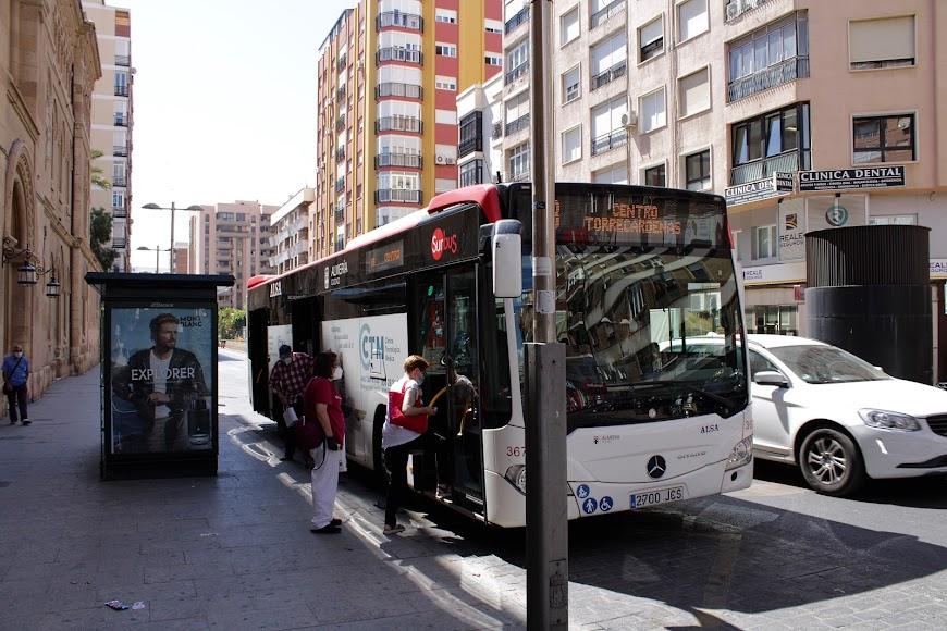 Servicio de Autobuses al 100%.
