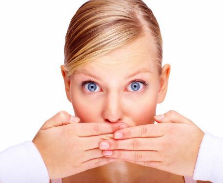 Niềng răng có đau không, có ảnh hưởng đến việc ăn uống không?