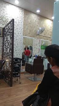 Valentine Unisex Salon photo 2