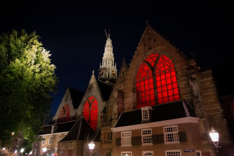 Red Light District, Dzielnica Czerwonych Latarni, Oude Kerk