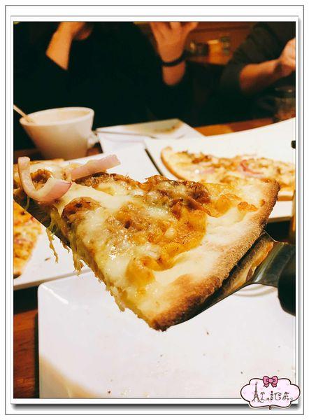 高雄市苓雅區。Pizza Rock Wenhua 高雄文化店 > 搖滾披薩台灣