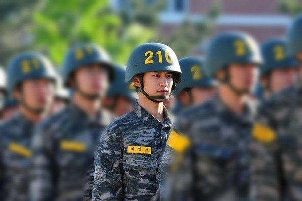shinee minho army 1