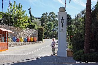Photo: Ixia. Hotel Dionysos. Toegang   Gate.  www.loki-travels.eu